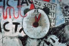 "Graffito ""ZU SPÄT"""