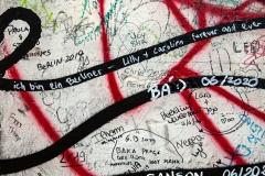 "Graffito ""ich bin ein Berliner"", Lilly y Carolien forever and ever"