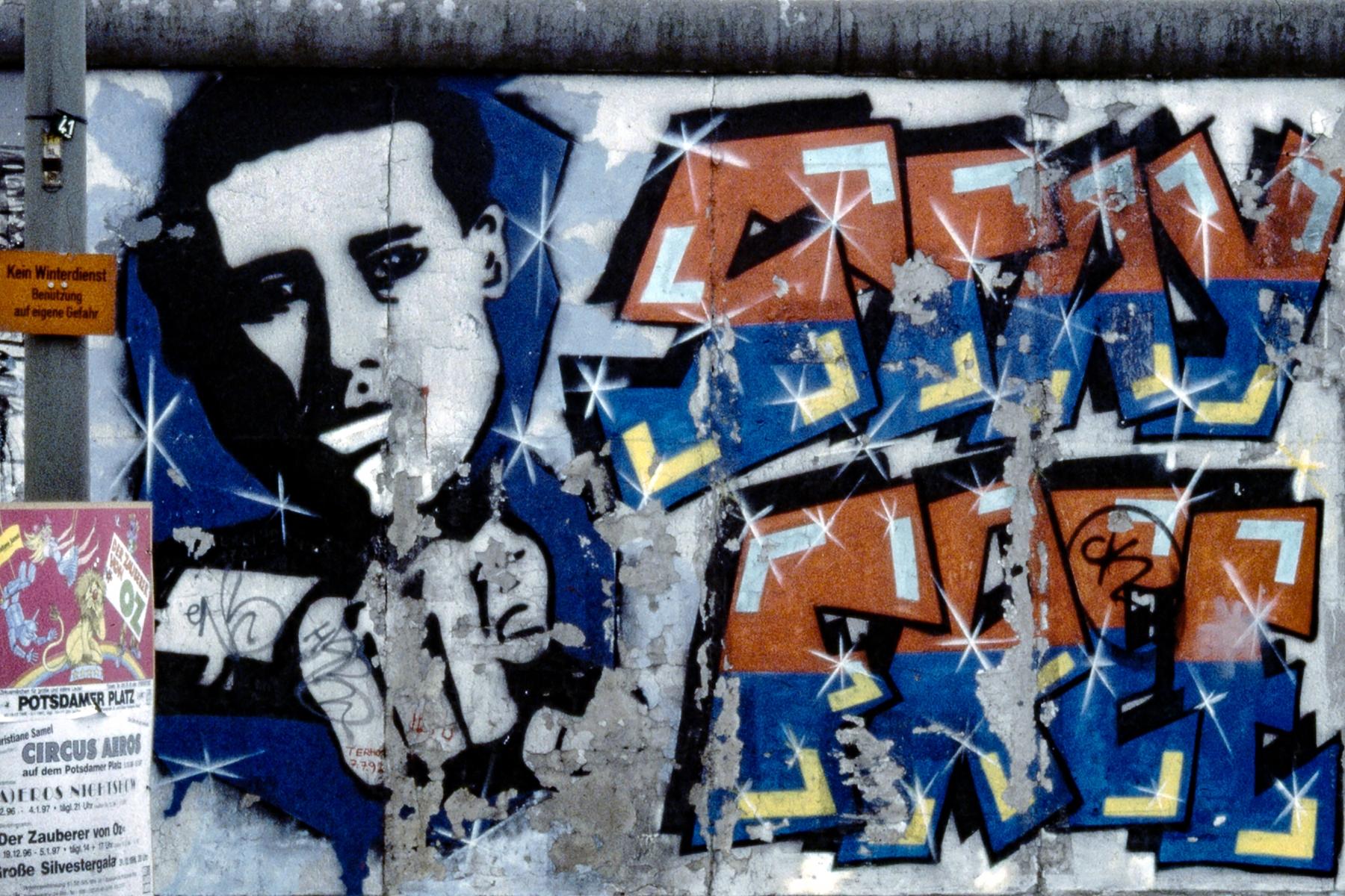 "Mural ""Stay Free"" von Christoph Frank"