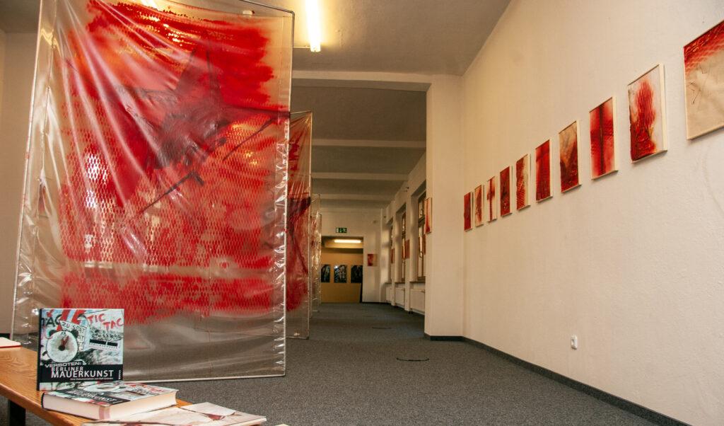 """Ausstellung """"Grenzverletzung"""" in der Galerie Son, Berlin (. Oktober 8)"""